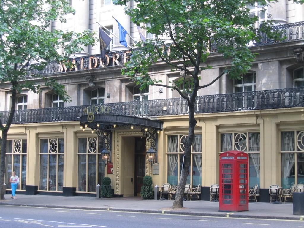 Hilton London Waldorf - Facade