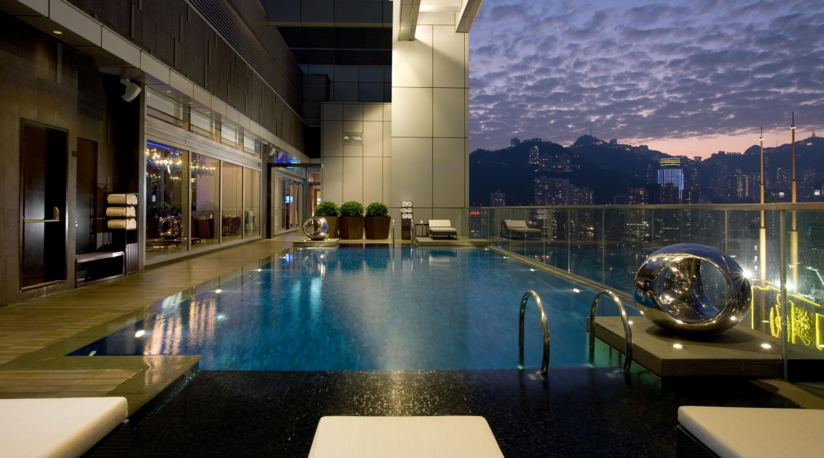Relax at Crowne Plaza Hong Kong before business