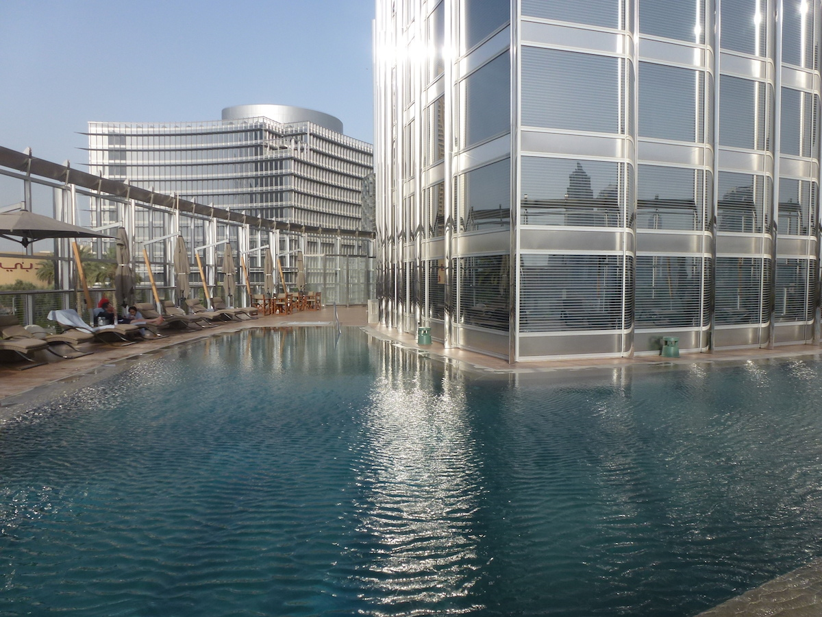 Pleasant stay at armani dubai the luxe insider for Pool design dubai