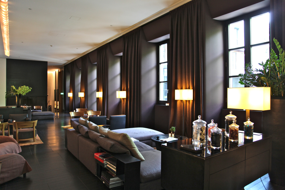 Bulgari milan the quintessence of luxury the luxe insider for Business hotel design