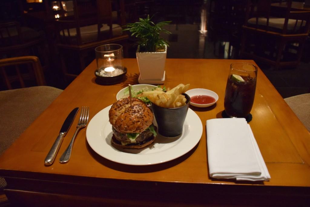 Aman at Summer Palace - Oriental burger at Reflection Pavilion