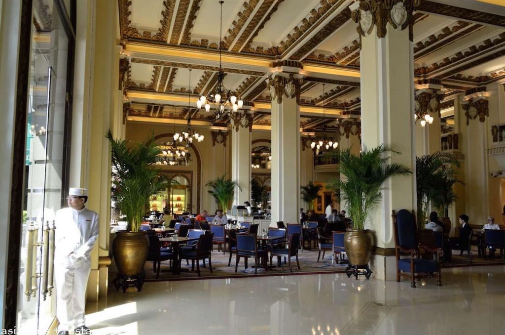 Peninsula Hong Kong - Lobby
