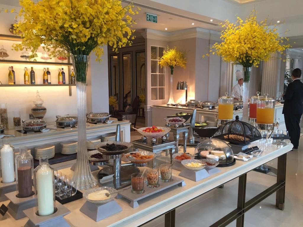 Peninsula Hong Kong - The Verandah breakfast setup