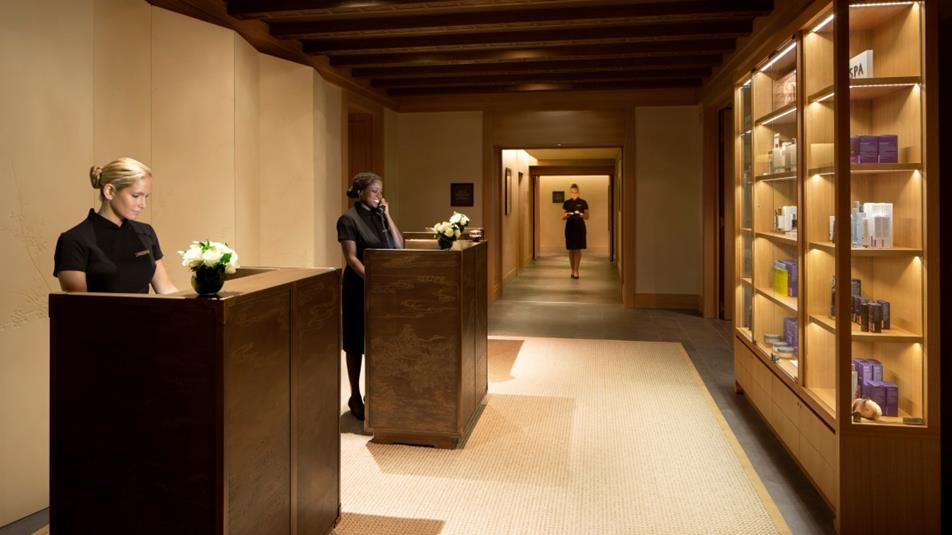 Peninsula Paris - Spa reception