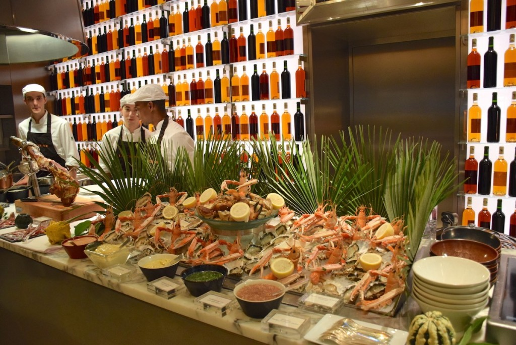 New Year brunch at Le Royal Monceau - Sea food buffet