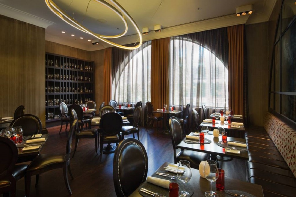 Lap of luxury at intercontinental sydney the luxe insider for The dining room sydney