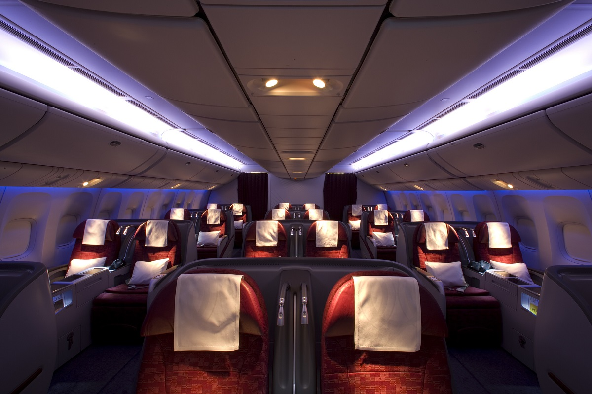 Amazing Qatar Airways Business Class inflight service