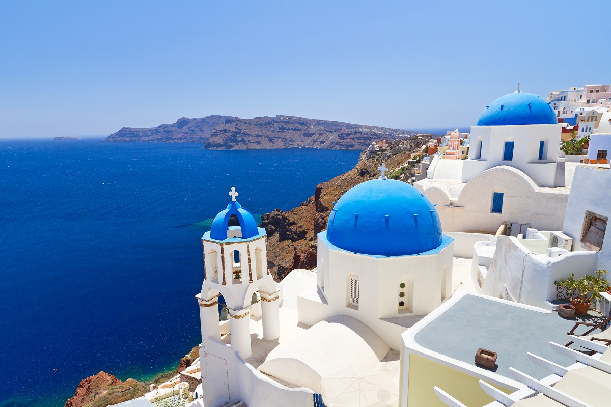 Discover the beauty of Greek islands