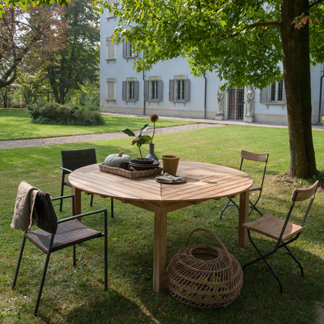 Teak tables and chairs - Picture and items by Unopiu