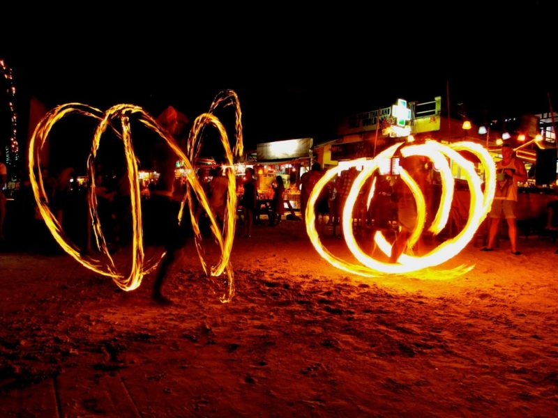 Full Moon Party on Haad Rin beach, Koh Phangan - Picture by Footloos.com