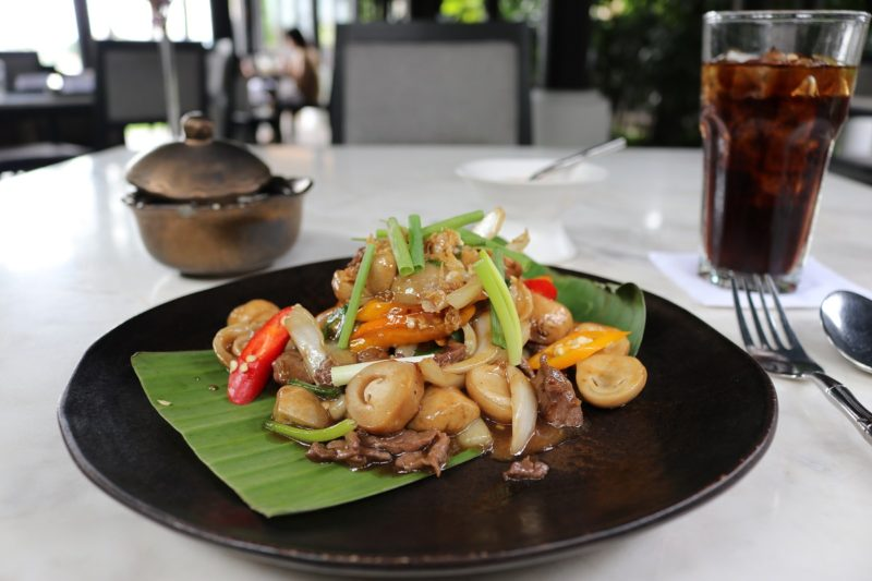 """Nua phad nahm mun hoi"" at Chon Thai restaurant - The Siam Hotel"