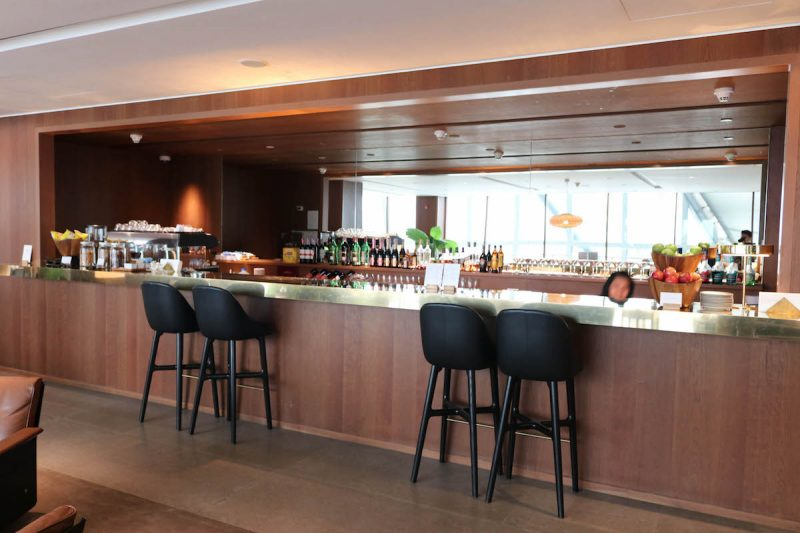 Cathay Pacific Business Class lounge at Bangkok airport - Bar