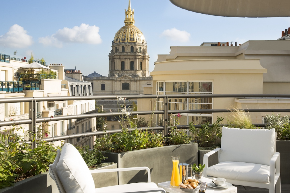 Romantic getaway at le cinq codet the luxe insider - Hotel le cinq codet ...