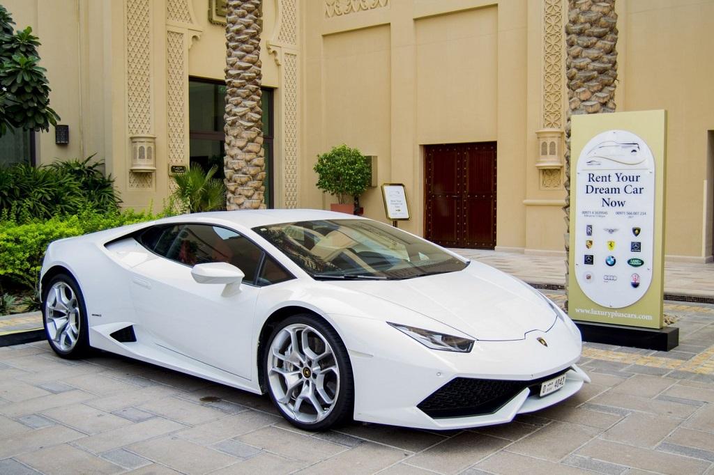 Luxury Lamborghini for rent