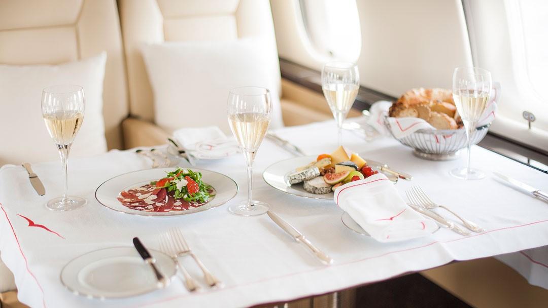 Vistajet - In-flight dining