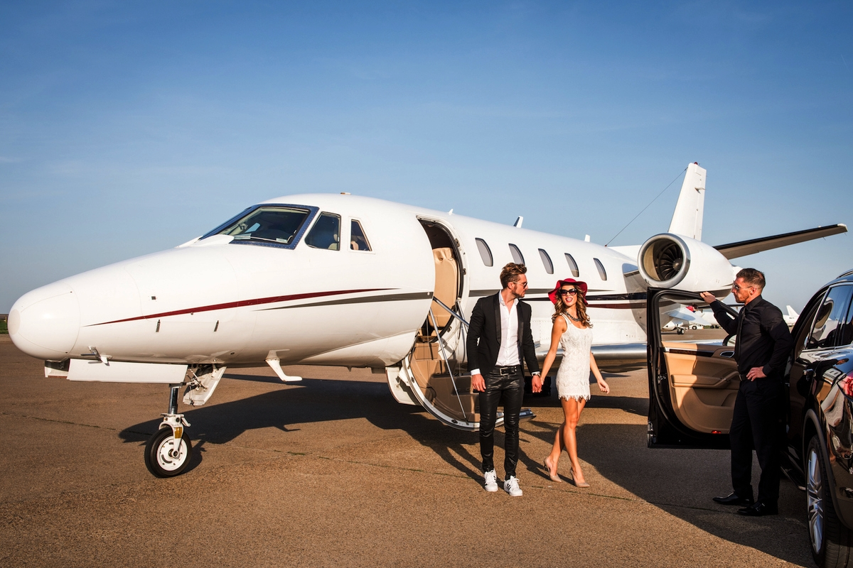 Chapman private jet charterChapman private jet charter